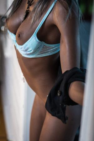mrd Ebony 24 300x450 - My Real Alicia